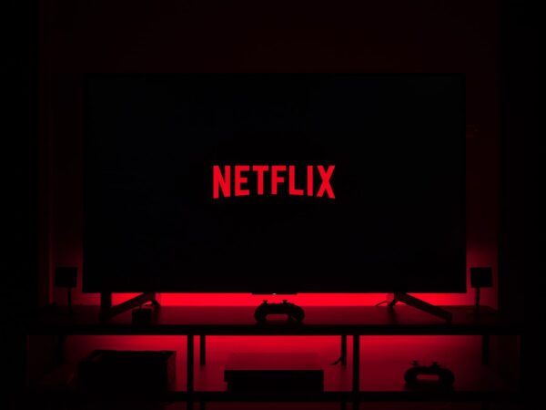 10 Netflix Shows That Accelerate Your Learning Process